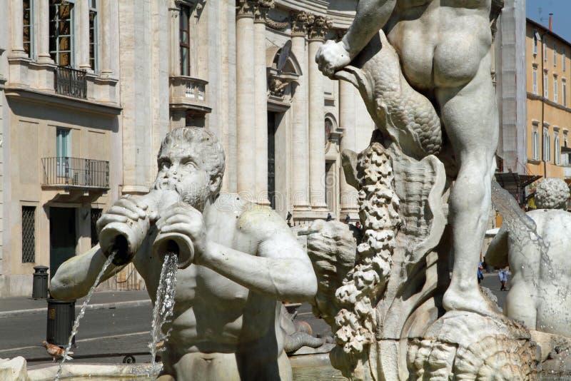 Fuente en la plaza Navona en Roma, Italia imagenes de archivo