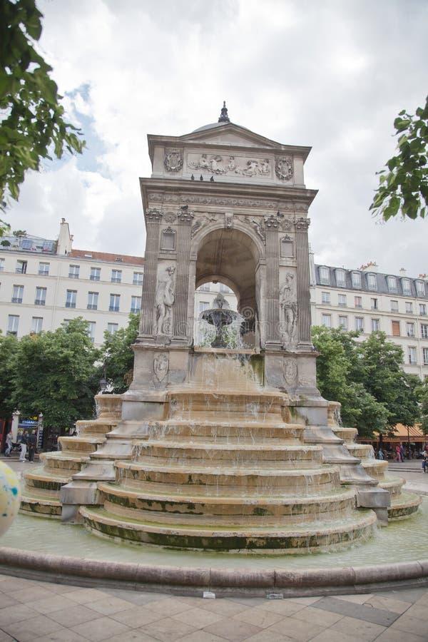 Download Fuente en París foto editorial. Imagen de detalle, fuente - 44855131