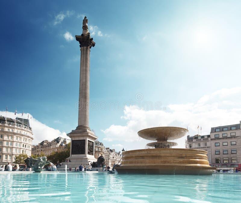 Fuente en Trafalgar Square foto de archivo libre de regalías