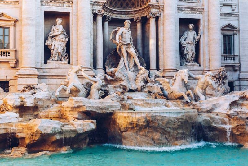 Fuente Fontana di Trevi del Trevi en Roma Italia imágenes de archivo libres de regalías