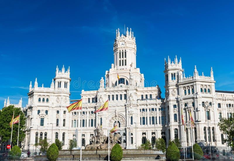 Fuente y palacio de Cibeles en Madrid fotos de archivo