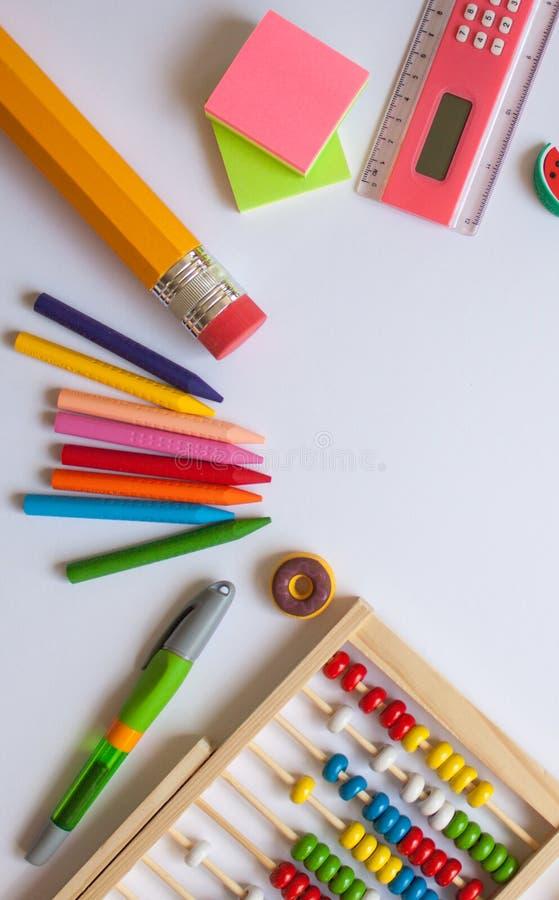 Fuentes de escuela coloridas fotografía de archivo