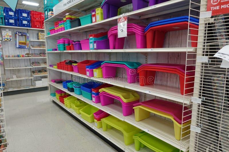 Fuentes de escuela en una tienda al por menor local imagen de archivo libre de regalías