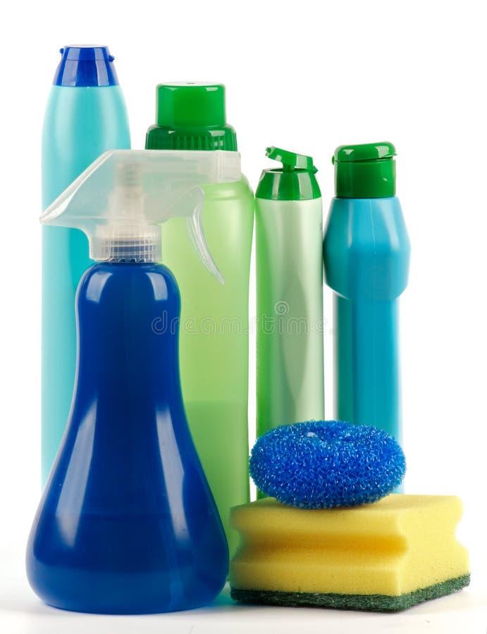 Fuentes de limpieza con la botella del aerosol fotografía de archivo