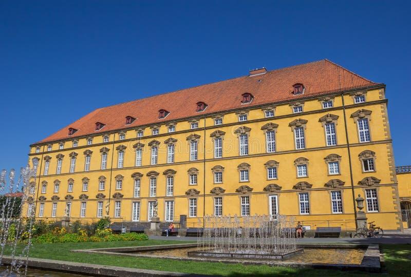 Fuentes delante del castillo Osnabrück fotografía de archivo