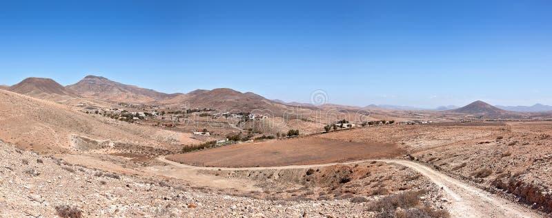Fuerteventura - kijk terug van GR131 aan Cardon stock foto's
