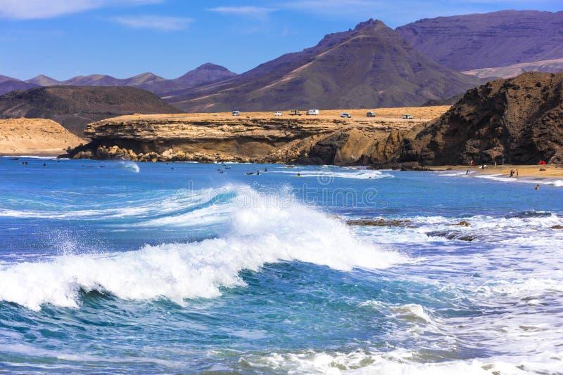 Fuerteventura, migliori spiagge Viejo Rey - popolare per praticare il surfing Le Isole Canarie immagine stock