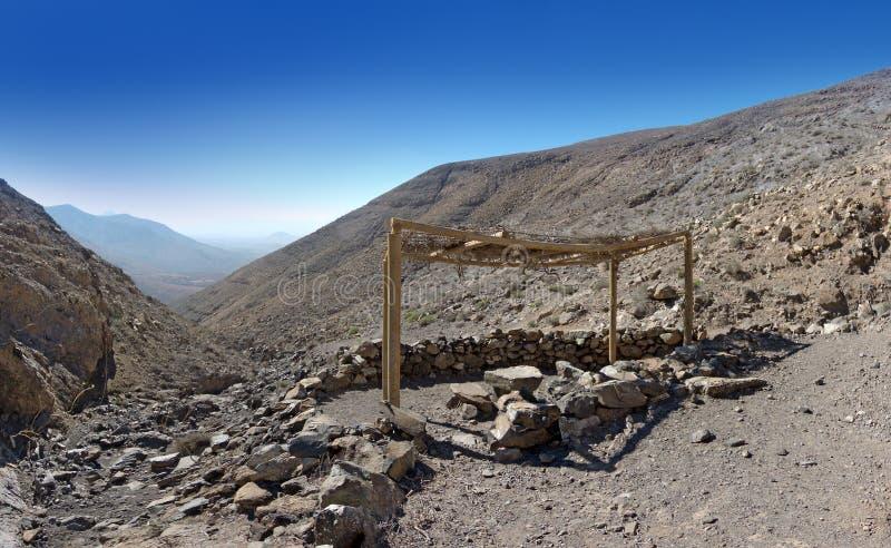 Fuerteventura - Roofed-picknickgebied stock foto