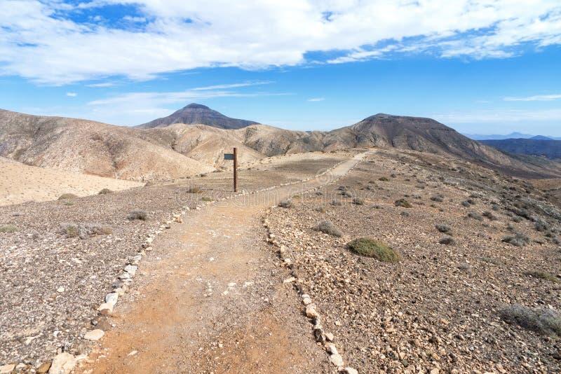 Fuerteventura - Wandelingsweg in het Cardon-massief stock afbeeldingen