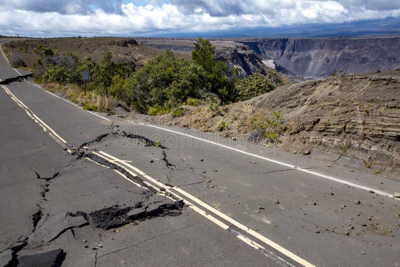 Fuerza del terremoto de la naturaleza fotos de archivo libres de regalías
