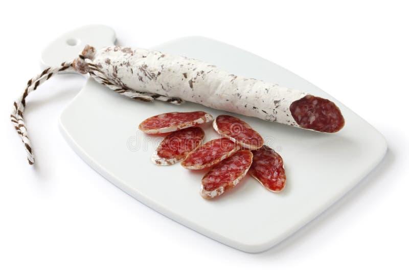 Fuet calidad, Spaanse beschimmelde salami stock afbeeldingen