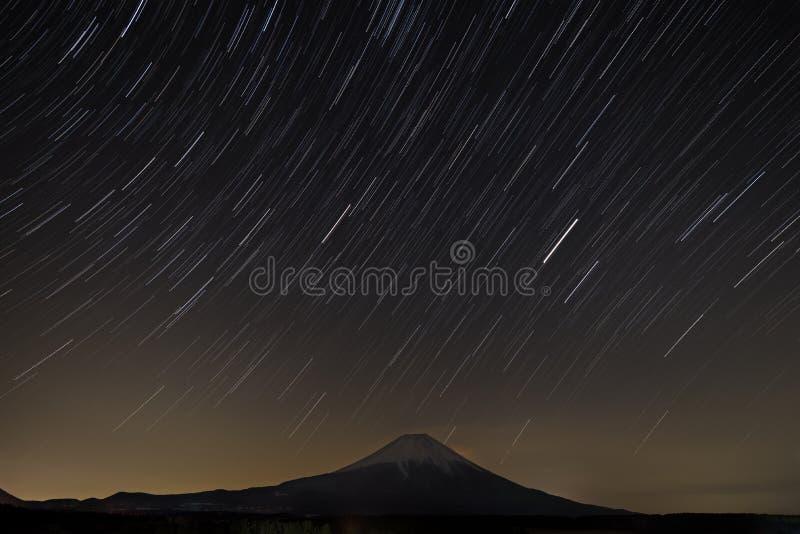 Fuga da estrela com Fuji foto de stock royalty free