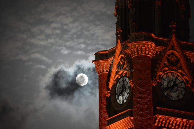 Fuga dalle nuvole immagine stock