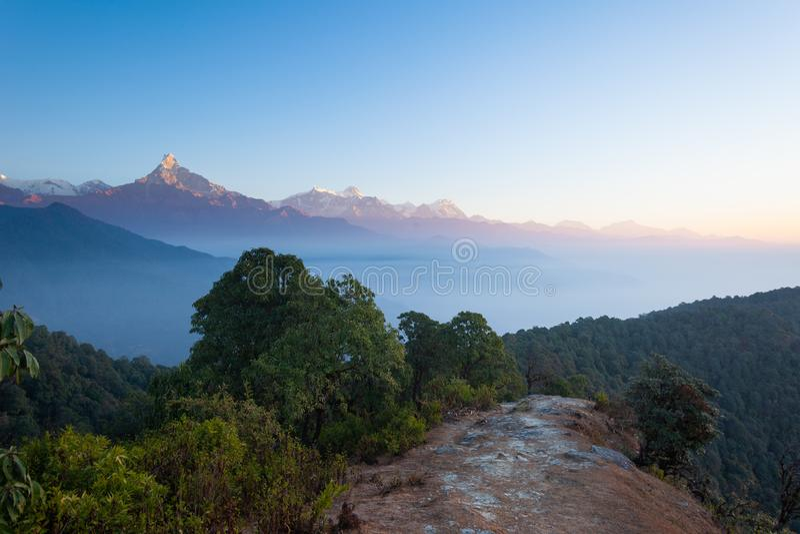 Fuga de caminhada de Annapurna fotografia de stock royalty free