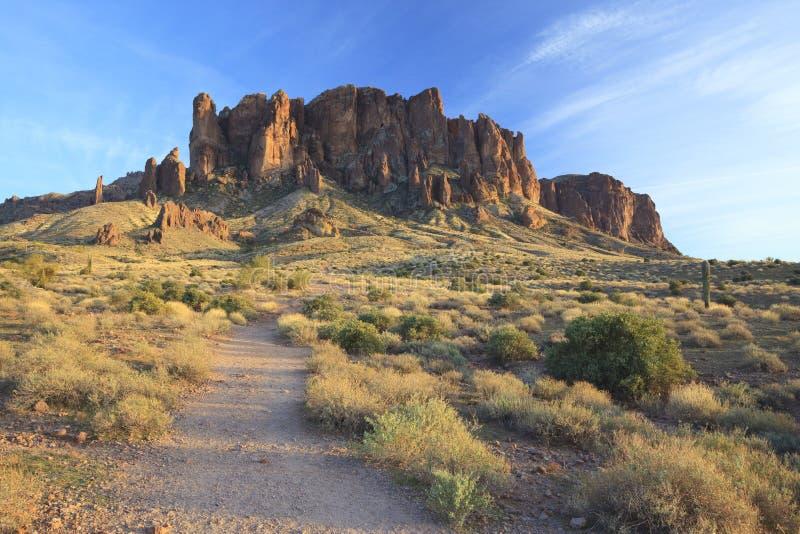 Fuga de caminhada em montanhas da superstição, o Arizona imagem de stock