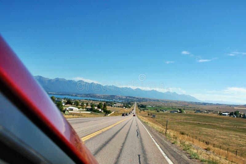 Fuga di viaggio della strada degli S.U.A. dello stato del Montana immagine stock