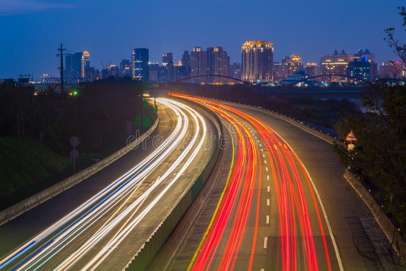 Fugas da luz da estrada em Hsinchu, Taiwan imagens de stock royalty free