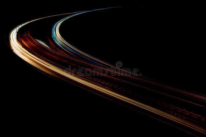 Fugas da luz do carro na estrada da interseção em Istambul fotos de stock royalty free