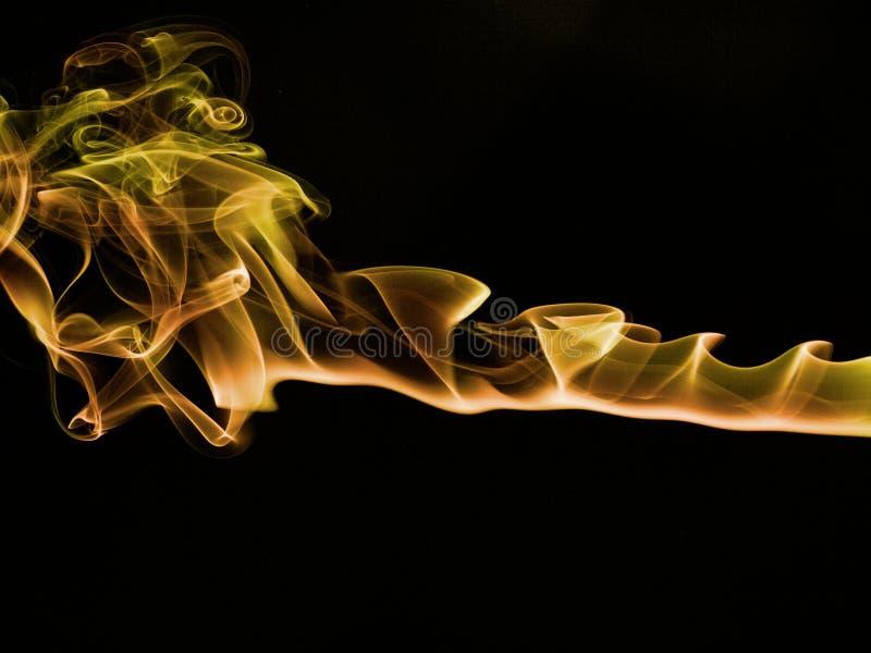 Fugas do fumo do incenso imagem de stock royalty free