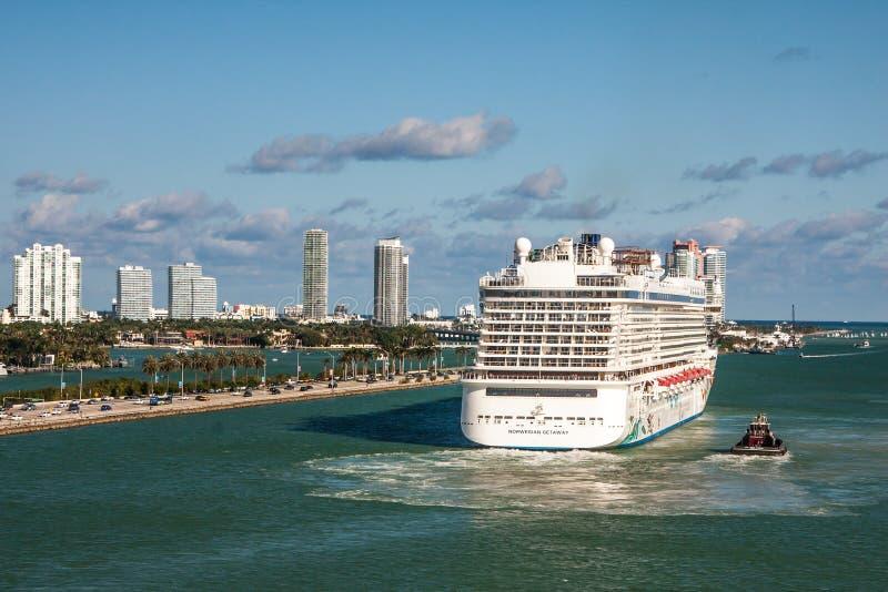 Fuite norvégienne partant de Miami images stock