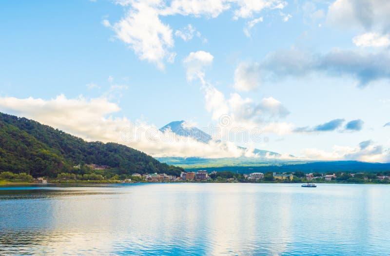Fuji-Berg Japan und bluesky lizenzfreie stockbilder