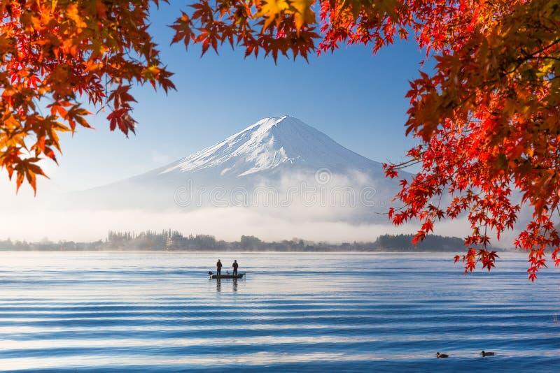 Fuji in de herfst stock foto's