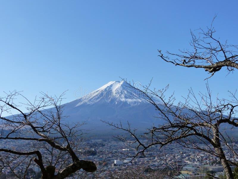 Fuji e chiaro cielo fotografia stock libera da diritti