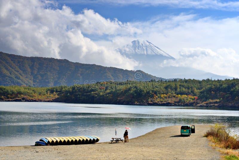Fuji e lago Saiko fotos de stock royalty free