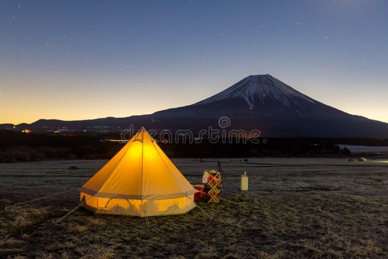 Fuji-Kampieren stockbilder