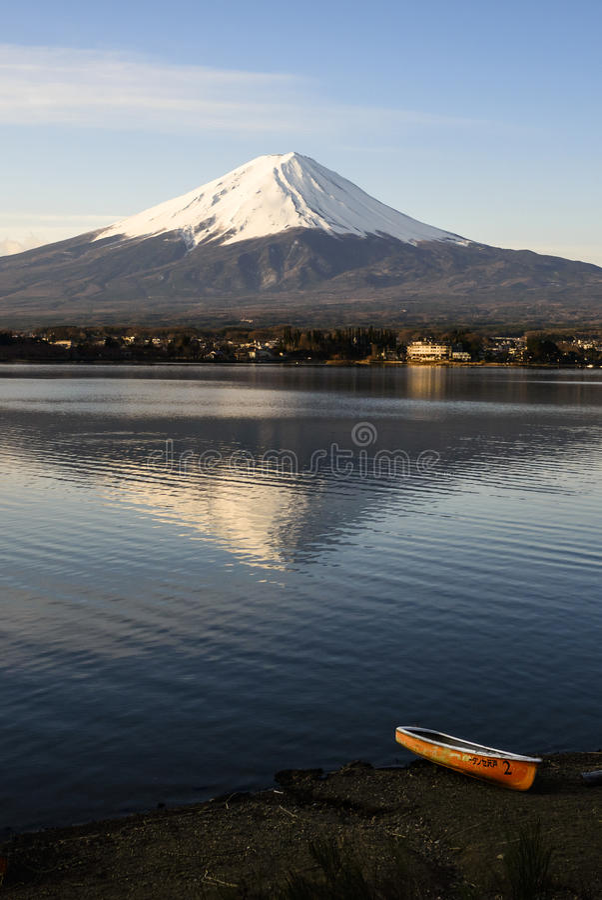 Fuji in seiner Ruhe stockfotos