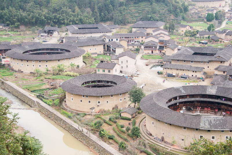 FUJIAN, ΚΊΝΑ - 4 Ιανουαρίου 2016: Συστάδα Tulou Hekeng σε Tianloukeng στοκ εικόνες