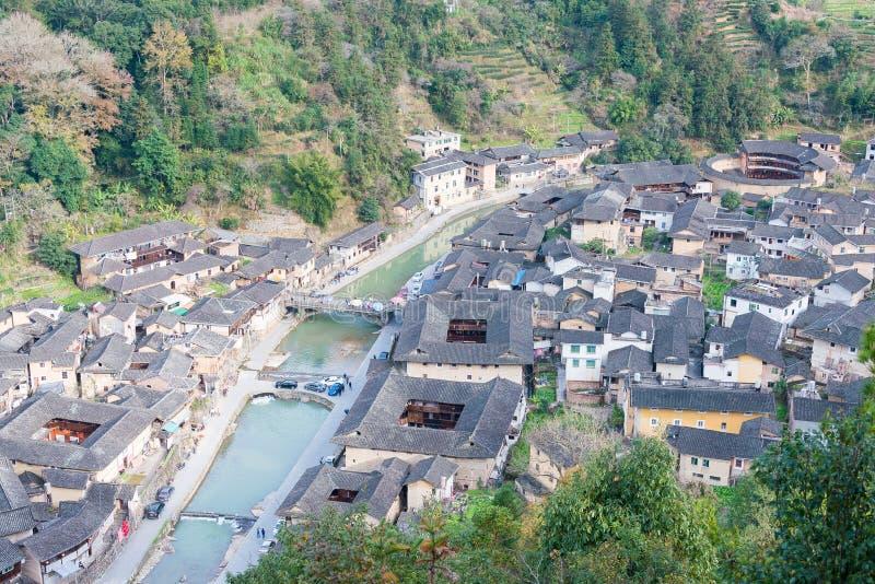 FUJIAN, CHINA - 2 de enero de 2016: Pueblo de Taxia en Tianloukeng Tulou foto de archivo