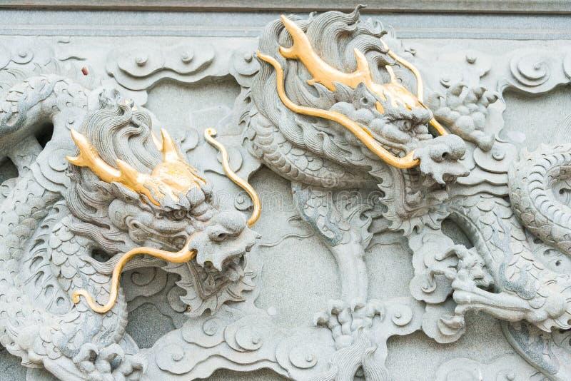 FUJIAN KINA - December 23 2015: Dragon Relief på den Dongyue templet A royaltyfria foton