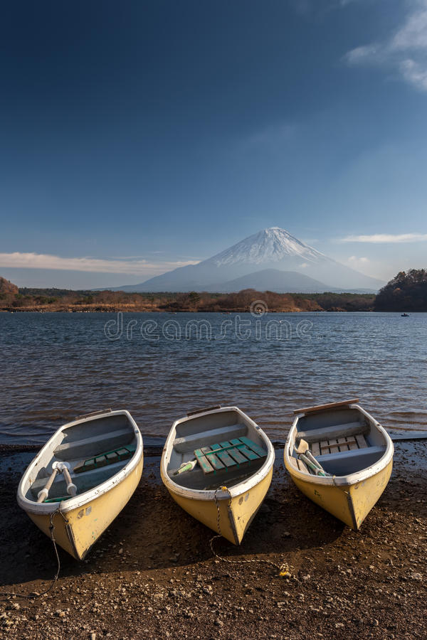 Fujiberg bij Meer Saiko royalty-vrije stock fotografie