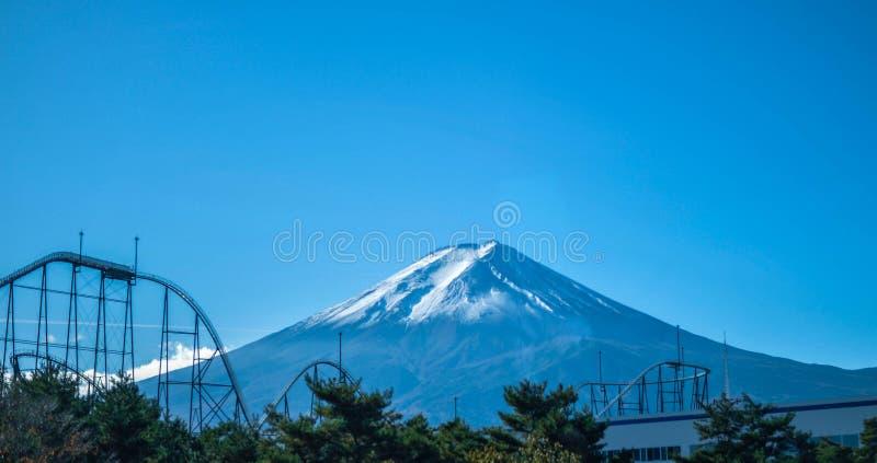 Fujikyu średniogórze z Mt Fujiï ¼ ŒJapan obraz stock