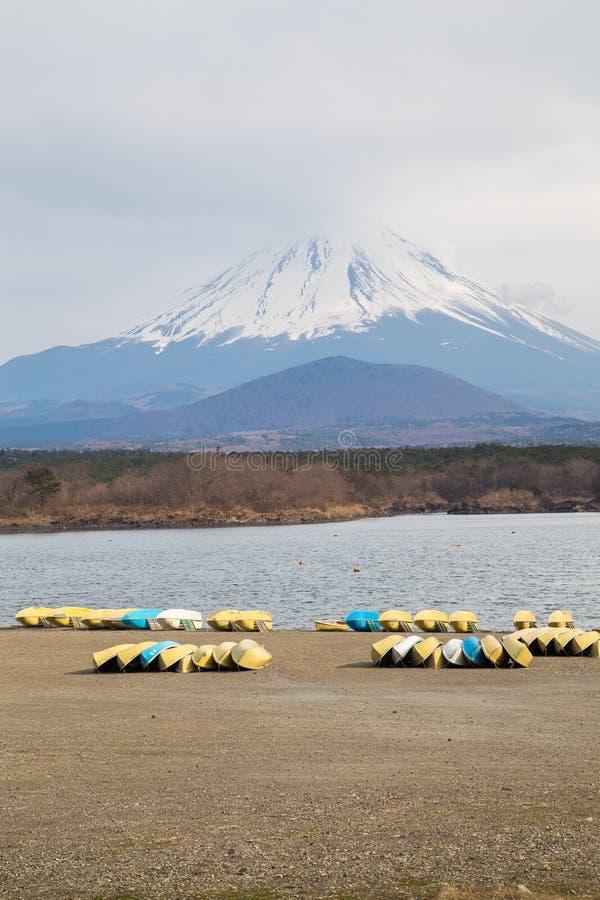 Fujisan και λίμνη Shoji στοκ φωτογραφία
