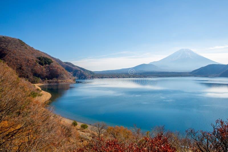 Fujisan avec le lac Motosu image libre de droits