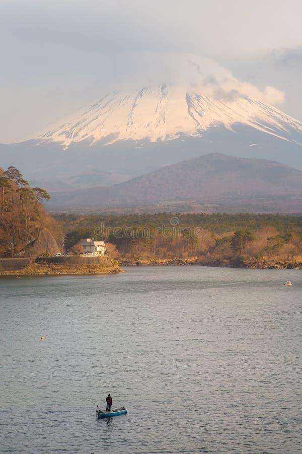 Fujisan en Meer Shoji stock afbeeldingen