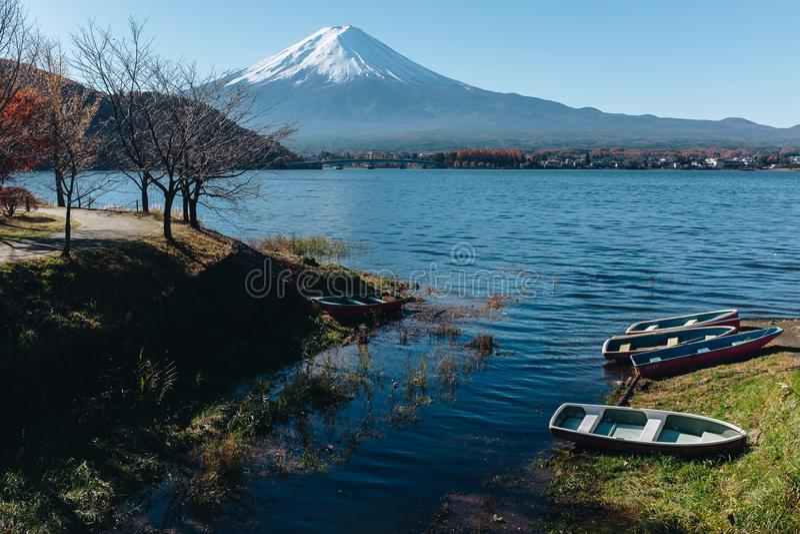 Fujisan, góra Fuji jest wysokim górą w Japonia z jesienią fotografia royalty free
