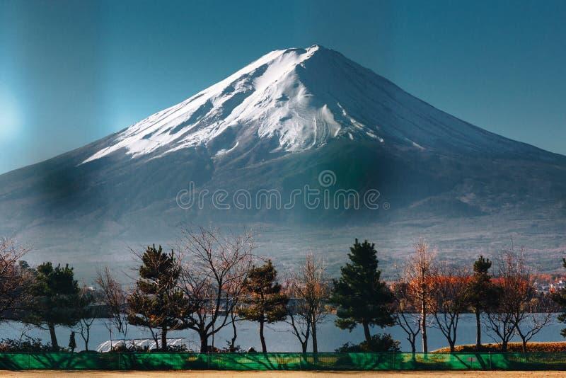 Fujisan, góra Fuji jest wysokim górą w Japonia z jesienią zdjęcie stock