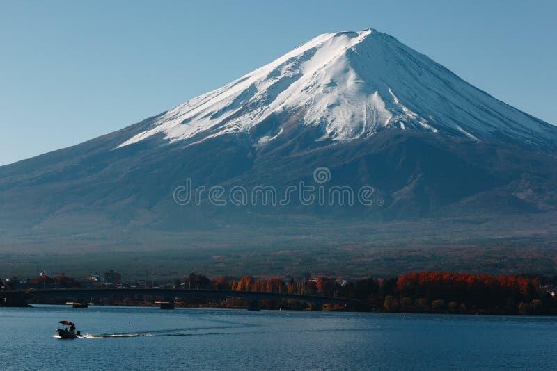 Fujisan, góra Fuji jest wysokim górą w Japonia z jesienią fotografia stock