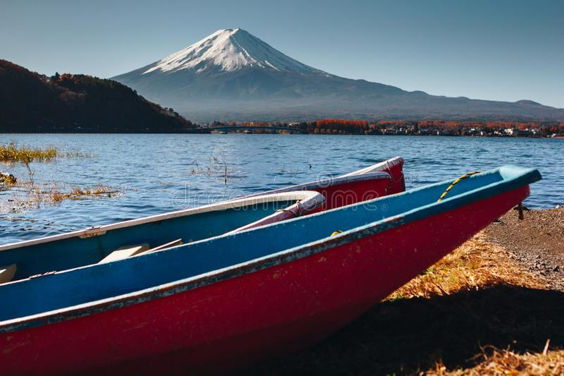 Fujisan, góra Fuji jest wysokim górą w Japonia z jesienią zdjęcia royalty free