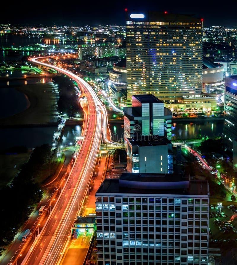 Fukuoka, Japón Paisaje urbano, paisaje, tiro largo de la exposición en la noche de la ciudad de Fukuoka y sus edificios y rascaci fotografía de archivo libre de regalías