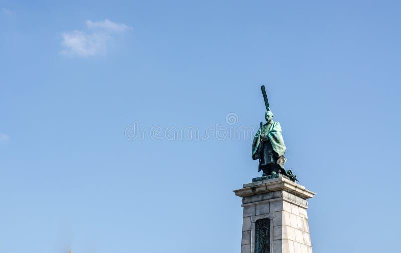 FUKUOKA, JAPAN - 6. NOVEMBER: Die Bronzestatue von Kameyama-JoKo lizenzfreie stockfotos