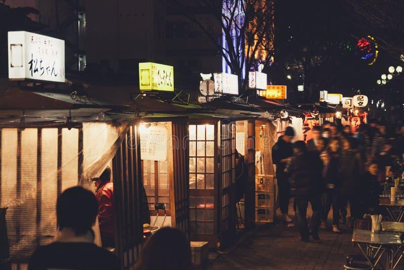 FUKUOKA, JAPON - MARS 3,2014 : La nourriture célèbre de Fukuoka cale Nightl photographie stock
