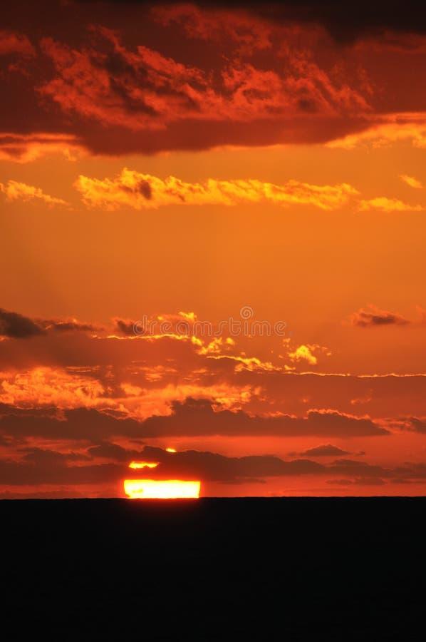 Download Fulgor do por do sol, imagem de stock. Imagem de preto - 26500393