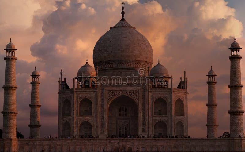 Fulgor do por do sol em Taj Mahal imagem de stock