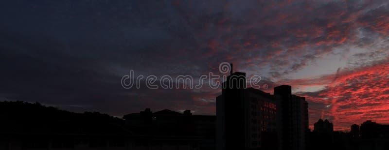 Fulgor vermelho do por do sol fotografia de stock royalty free