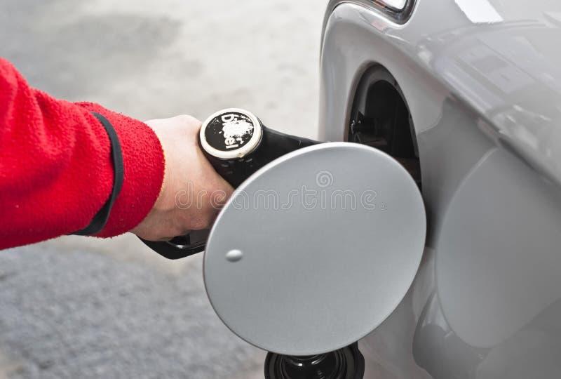 Full behållare för bränsle