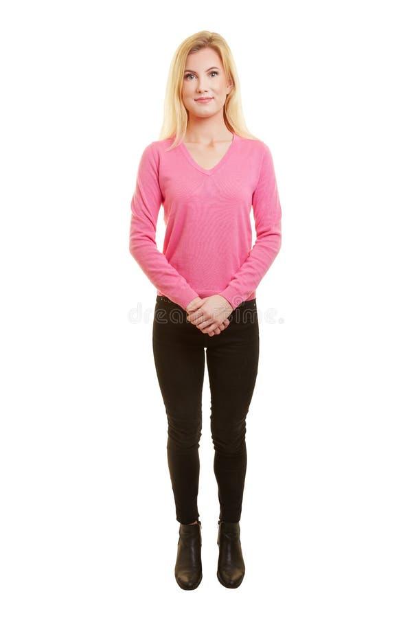 Full längdfrontal som skjutas av kvinna arkivfoto